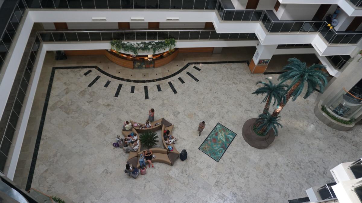 Лобби отеля «Perre delta resort spa 5»
